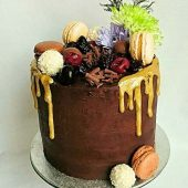 CHOCOLATE-GOLD-DRIP-CAKE